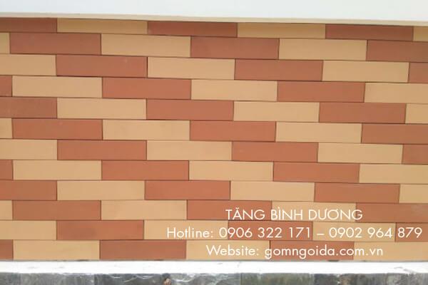 Tường dùng gạch thẻ 6x24 Hạ Long màu đỏ nhạt